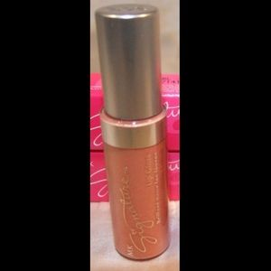 Brand New Mary Kay Lipgloss 💄